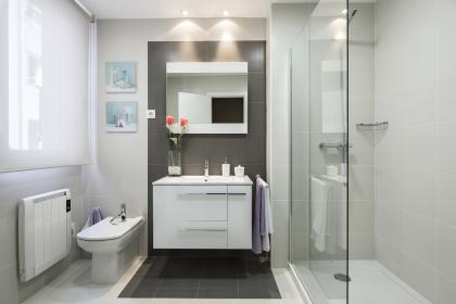 Baño TIPO, económico, precio barato. Garantía. en piso en Valencia
